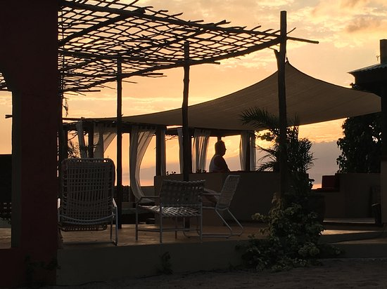 Treasure Beach, Jamaica: Patio by the Sea