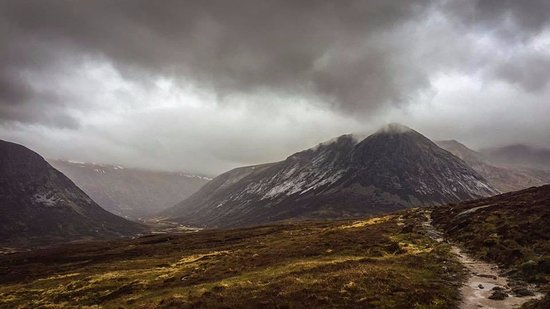 Up and Doon Guided Walks: Devils point looking very dramatic