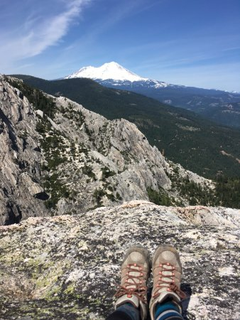 Castella, Kalifornien: View of Shasta, reachable if you pass the trail end of Crags trail. Worth the extra 100 feet or
