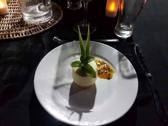 Daku Resort - Restaurant : The divine cheesecake