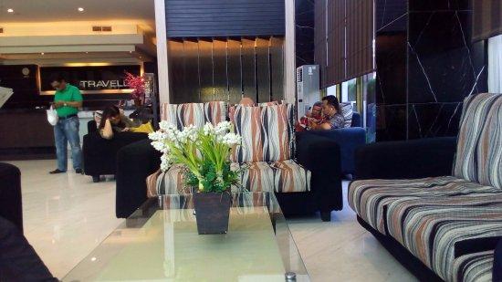 Travello Hotel Manado : Lobby Hotel Travello Manado