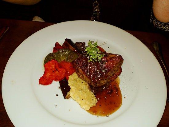 Isobel's Hanmer Springs Restaurant : Sous Vide Lamb Rump with grilled vegetables, crispy parmesan and mushroom pesto minted jus