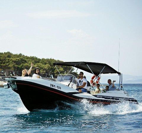 Supetar, Croacia: Skiper