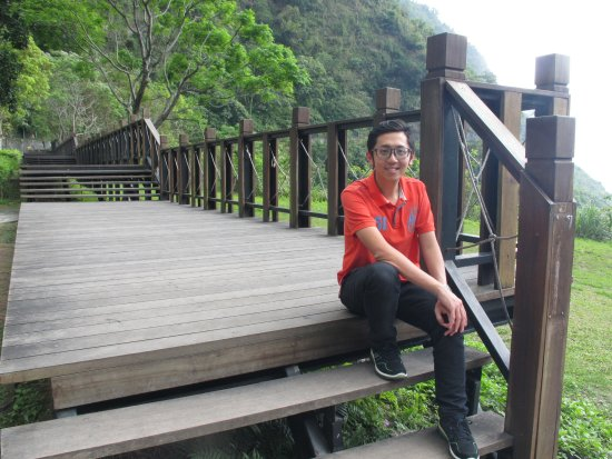Qingshui Cliff: At the Park