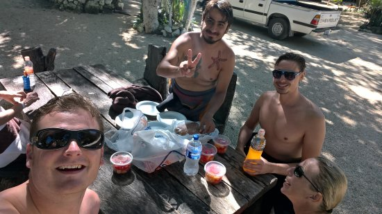"""Planet Scuba Mexico: Lunch in between the dives Issac and the group of three """"cenote rookies"""""""