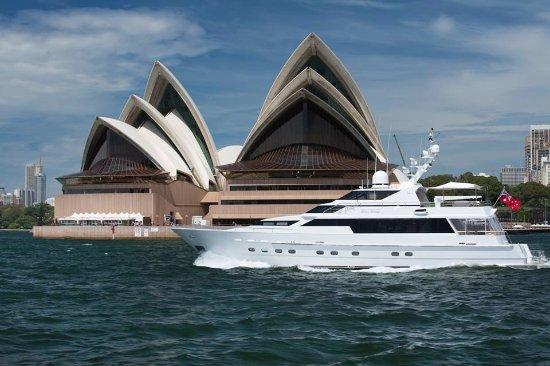 Brighton le Sands, Australia: Exploring Sydney Harbour