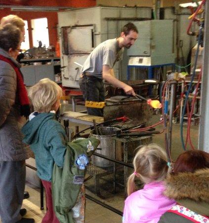 Verrerie d'art: The grandchildren were fascinated watching the glass blowing