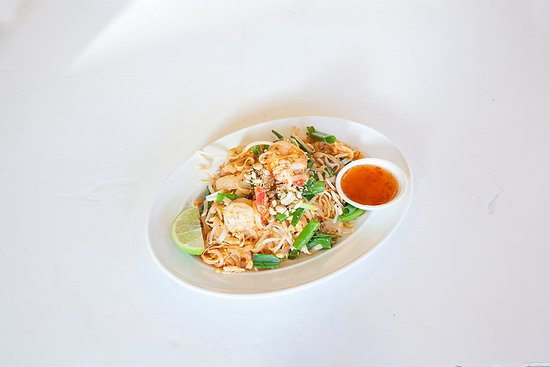 Randwick, Australia: Traditional Thai style stir Pad Thai fried noodles with egg, bean sprout, onion and peanut on to