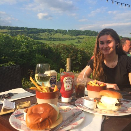 Dorking, UK: NOTHING BETTER THAN THE VIEWS FROM THE WATERMILL INN ON A SUNNY EVENING :)