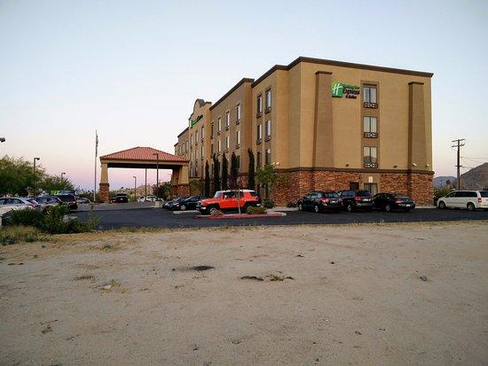 Holiday Inn Express & Suites Twentynine Palms- Joshua Tree Photo
