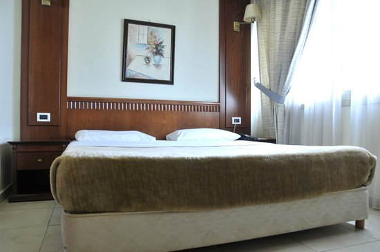 The White Room Lebanon Reviews
