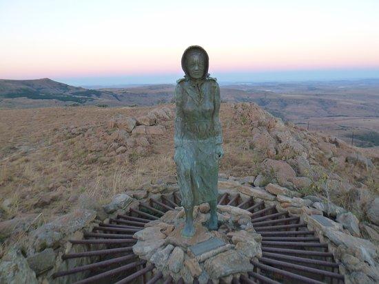 Bergville, África do Sul: Barefoot woman