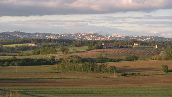 Castiglione della Valle, Италия: Aussicht Richtung Perugia