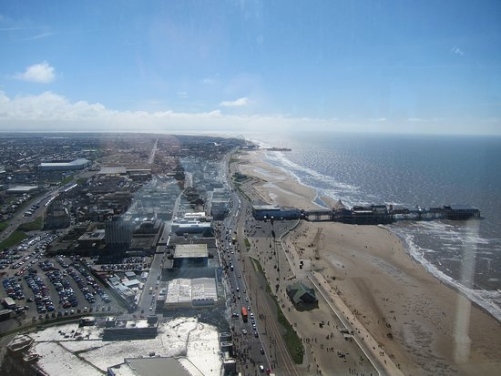 The Blackpool Tower: View towards the south pier