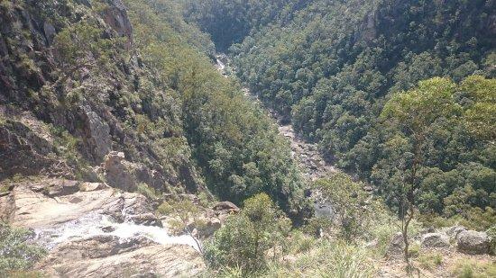 Boonoo Boonoo Falls: Falls