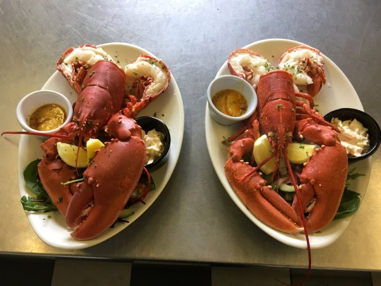 Waterville, Irlanda: Whole Poached Lobster