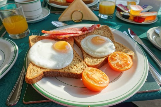 Channel View Guest House: Breakfast with a good number of choices