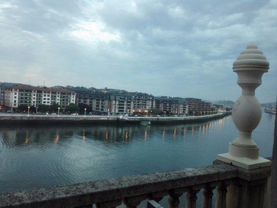 Gran Hotel Puente Colgante: Ria