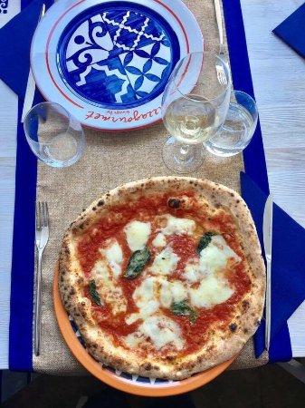 Pizza Gourmet Giuseppe Vesi Photo