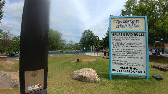 Columbus Riverwalk: Splash pad info