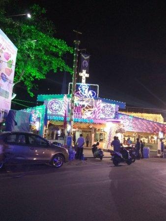 American Restaurants in Kaloor
