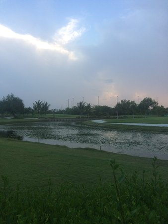 Gulmohar Greens - Golf & Country Club Ltd.