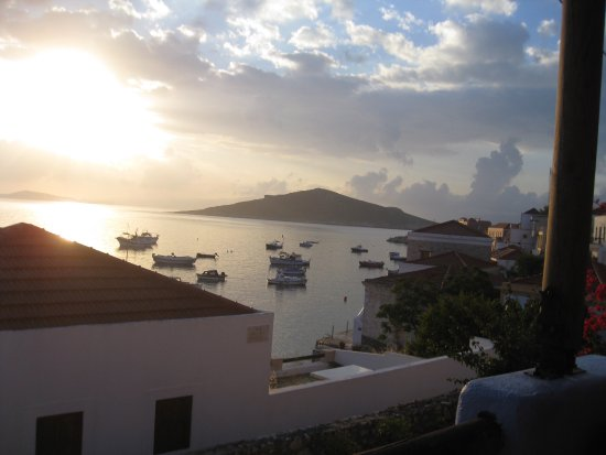Halki, Grækenland: View from the terrace in the early morning.