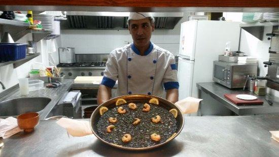 Νησιά Βαλεαρίδες, Ισπανία: Nuestro cocinero. ¡Un gran profesional!