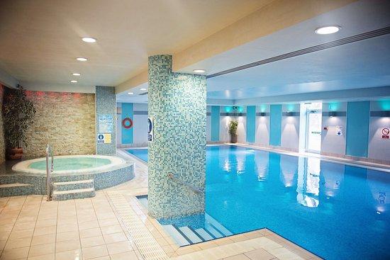 The Cheltenham Chase Hotel A Qhotel Brockworth