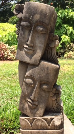 Sunray Village Resort: Artistic statues