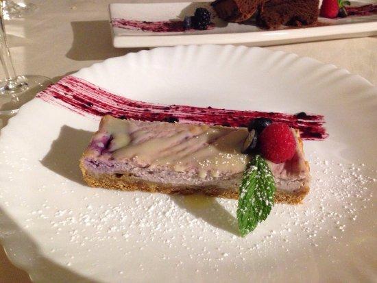Biassono, Italie : Cena con assaggio di antipasti, fassona battuta al coltello e tris di dolci