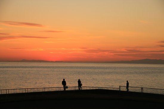 Izumiotsu, Japan: 2015.10.26撮影 黄昏と釣り人