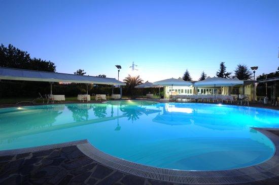 Hotel dragonara san giovanni teatino italie voir les for Hotel a prix bas
