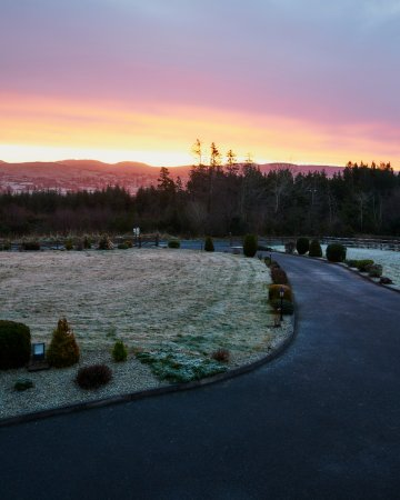 Eas Dun Lodge: Sunrise