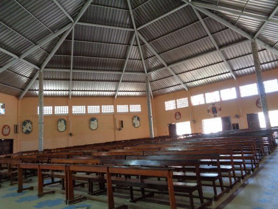 Joal Fadiouth, Sénégal : interior Iglesia