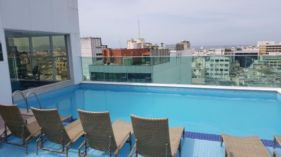 der pool auf dem dach bild von americas copacabana hotel rio de janeiro tripadvisor. Black Bedroom Furniture Sets. Home Design Ideas