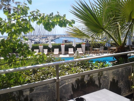 Hotel Azur: VUE DE MA CHAMBRE AU 1er ETAGE
