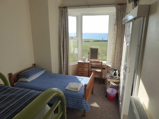 Longbeach Hotel : Triple room