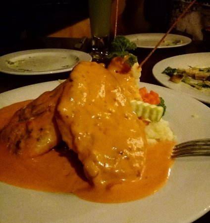 Coco's : looks so yummy ;] chicken covered with spicy sauce, mashed potato and steam veggies on the side