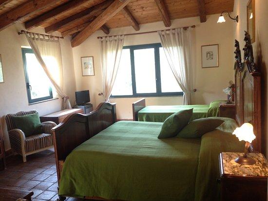 Piedimonte Etneo, Italia: Room with big terrace