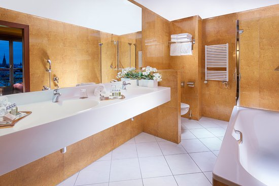 Jalta boutique hotel updated 2017 reviews price for Boutique accommodation prague