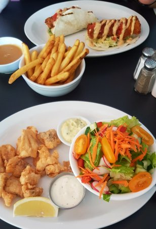Pictou, Canada: Breakwater Restaurant Fish Tacos and Haddock Tips