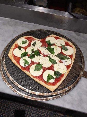 Fort Lee, Nueva Jersey: We <3 pizza.  Margherita