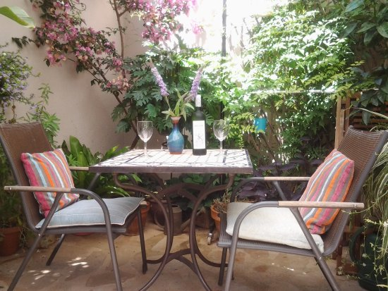 Casa les Olives: Relax on the terrace