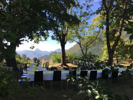 Auberge du Col de Brouis : Lunch party.