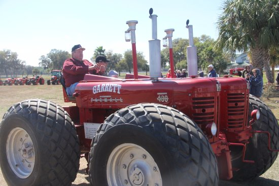 Leesburg, FL: Dual 400 Garrett tractor on display at the museum.  A must see!