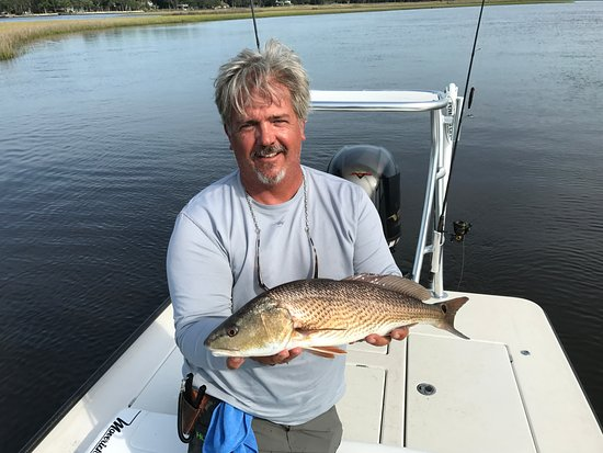 Ponte Vedra Beach, Floride : Chip Wingo with a Pablo Creek red fish