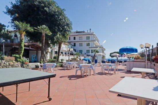 Terrazza Solarium - Picture of Hotel Ariston Montecarlo, Sanremo ...