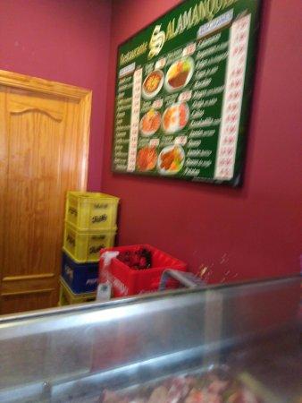 Province of Toledo, Espanha: Amplia carta de raciones, bocadillos y platos combinados