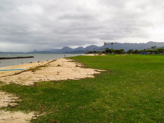 Kaneohe, Hawái: beach to the right
